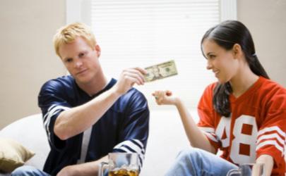 夫妻各管各的钱会影响夫妻关系吗 夫妻的钱应该怎么管
