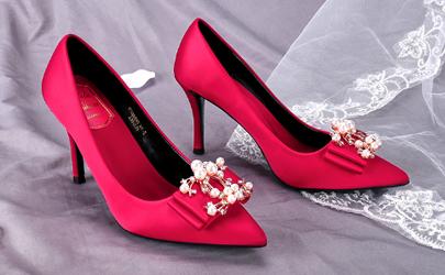 婚鞋是自己买还是租 婚鞋一般买几双