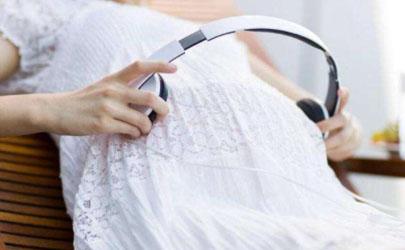 胎儿偏小怎么回事 胎儿偏小吃什么