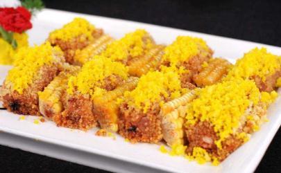 小米蒸排骨用土豆还是连藕好吃 小米蒸排骨放什么配菜