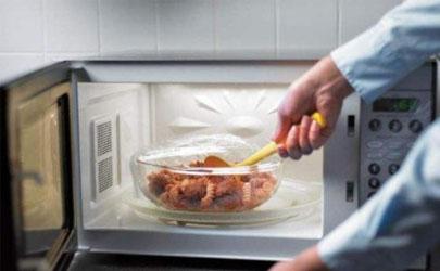 微波炉热馒头很硬怎么回事 微波炉热米饭怎么热