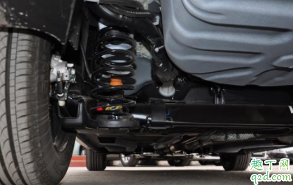 为什么冷车启动发动机声音大 汽车为什么刚启动的时候声音大1