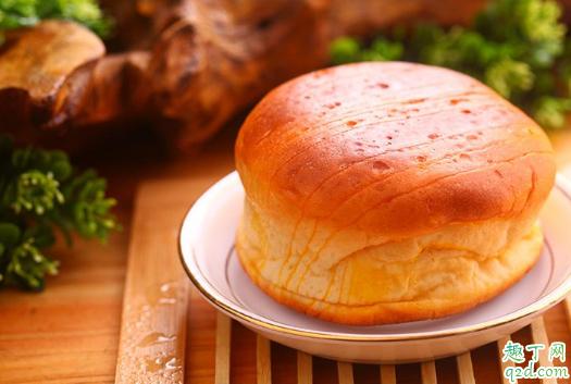 为什么面包烤出来特别硬 烤出来的面包发硬怎么办1