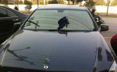 汽车前挡风有裂痕可以上高速吗 汽车前挡风裂修复还是更换