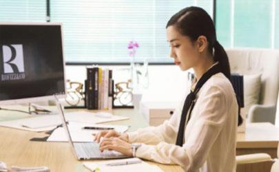 职场甩锅型的同事如何相处 职场八卦型的同事应该如何相处