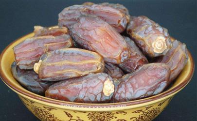 胃不好的人能吃椰枣吗 吃椰枣时哪些事项是要注意的