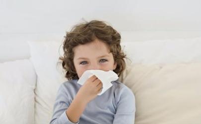 宝宝爱生病和什么有关 小孩每月都感冒会得白血病吗