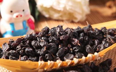 黑加仑和牛奶能一起吃吗 食用黑加仑哪些事项时要注意的