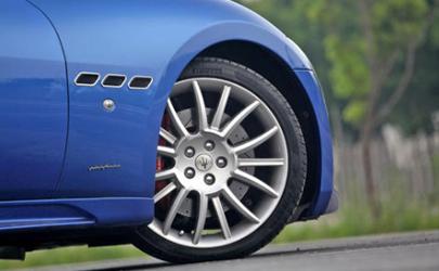 汽车轮胎真空胎有内胎吗 汽车轮胎真空胎都是氮气吗