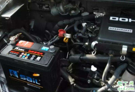 汽车电瓶没电会中途熄火吗 汽车电瓶有电却熄火是怎么回事2