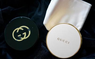 Gucci2020新款粉饼和黑金粉饼哪个好用 Gucci粉饼新旧版对比