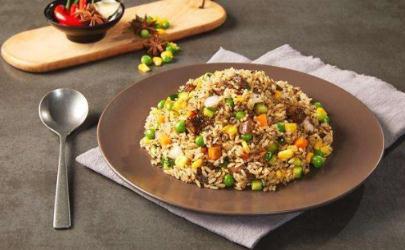 炒饭里面放哪几种蔬菜 炒饭里面放什么蔬菜有营养