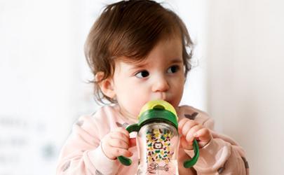孩子四个月不用母乳喂养好吗?母乳喂养宝宝更健康