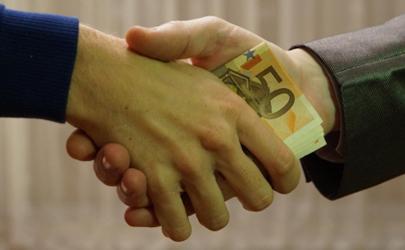 发工资同事借钱怎么拒绝?巧妙拒绝有方法!