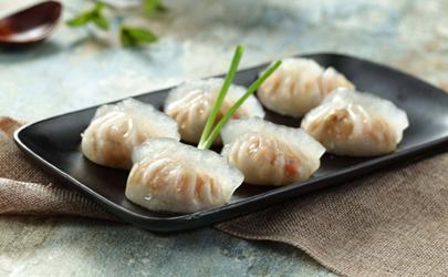 水晶蒸饺的面是什么面?普通的面粉做不出透明的质感!