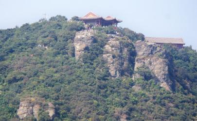 北京香炉峰能看到全北京吗?一览众山小就是这个感觉!