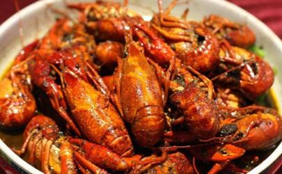 小龙虾为什么有的壳硬有的软 原来是因为这个!