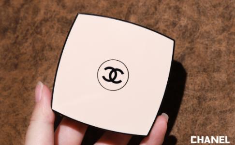 Chanel2020夏季5色眼影盘warm试色,难得这盘带亮片!1