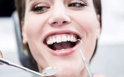 带个牙套一般多少钱?千万别图便宜
