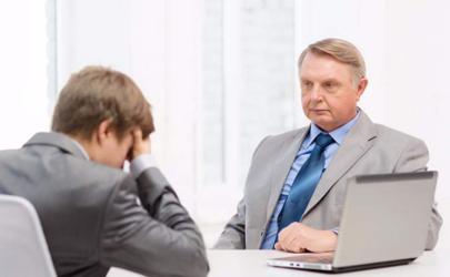 老板总批评自己是忍还是滚?你会怎么选