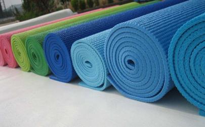 瑜伽垫有味道能致癌吗