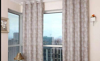 窗帘什么布料最遮光