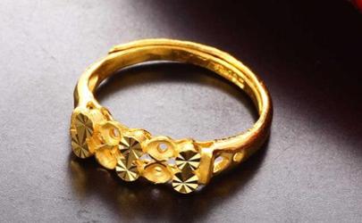 黄金戒指为什么会掉漆变白