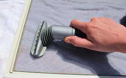不卸纱窗怎么能洗干净