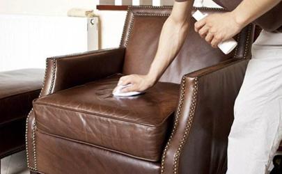 擦家具用干抹布还是湿抹布