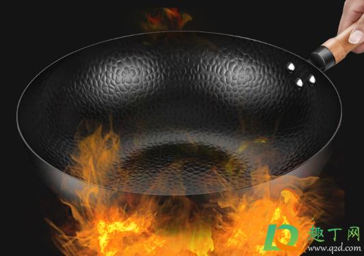 铁锅烧完菜用冷水洗还是热水洗1