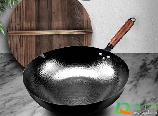 铁锅烧完菜用冷水洗还是热水洗2