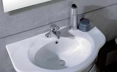 卫生间洗面盆边沿发霉黑点怎么办
