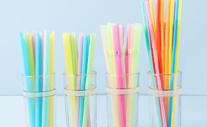 塑料吸管禁用后用什么代替