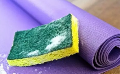 瑜伽垫能用水冲洗吗