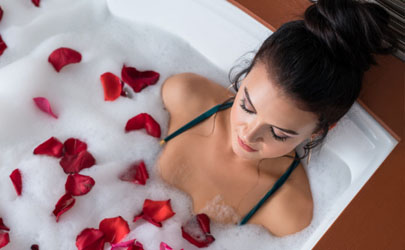 鲜花花瓣可以泡澡吗