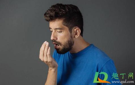 为什么口水是臭的正常吗1