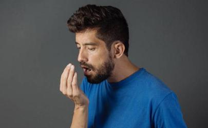 为什么口水是臭的正常吗