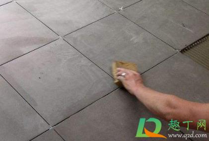 瓷砖缝隙发黑霉用什么清洗剂4