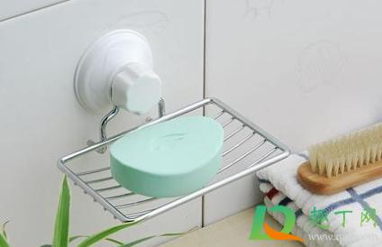如何去掉瓷砖上肥皂留的白点1