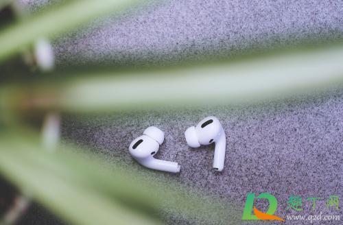蓝牙耳机脏了能直接用水洗吗1