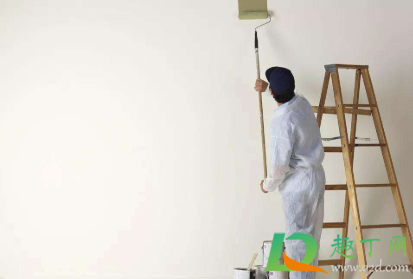 梅雨季墙面可以刷油漆吗1