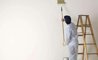 梅雨季墙面可以刷油漆吗