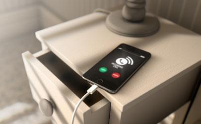 晚上打雷手机可以充电吗