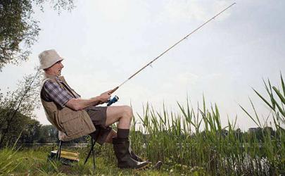 立秋后钓鱼用什么饵料上鱼快