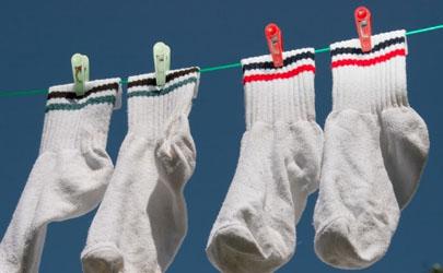 袜子发硬是不是该扔了