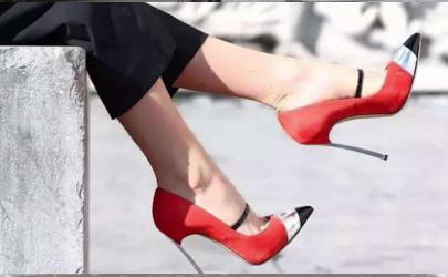 怎样消除鞋子挤空气的声音