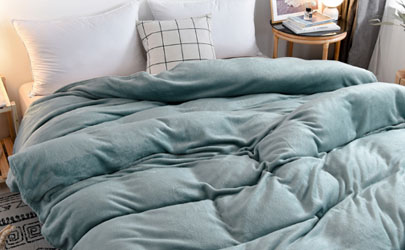 新买的毛毯有异味正常吗