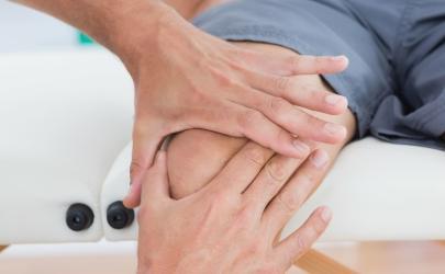 膝盖疼是怎么回事是不是吹空调冻得