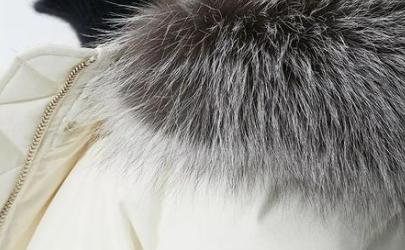 充绒量200g的羽绒服暖和吗
