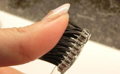 牙刷的毛特别软有用吗
